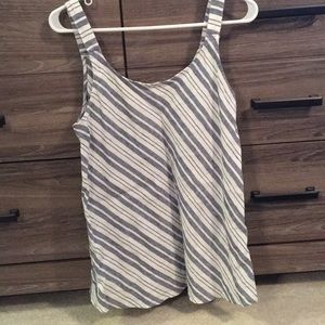 100% Linen tank. White and chambray